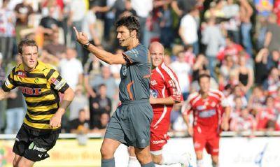 Svizzera: l'arbitro reagisce e mostra il dito medio ai tifosi