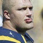 USA: giocatore di football si spacca la testa con il casco